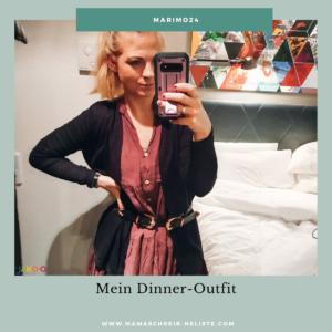 In der letzten Woche war ich in Frankfurt und habe dort einen tollen Gürtel mit Doppelschnalle gekauft und mein Tunikakleid mit einem leichten schwarzen Cardigan kombiniert. Ich habe für diese Kombination auch das eine oder andere Kompliment erhalten und mich - du kannst es dir vorstellen - entsprechend gefreut. Wer hört nicht gerne mal ein Kompliment zu seinem Outfit(?):-)