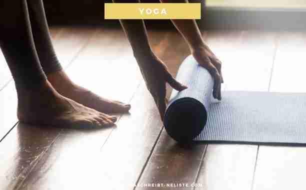 Yoga ist ein Energielieferant, eine wahre Energiequelle? Yoga bringt einen runter, führt zur innerer Ruhe und mehr Balance? Dieser Begriff Yoga 🧘♀️  (oder auch Joga) ist heute in vieler Munde und doch wissen die wenigsten, was Yoga eigentlich ist. Und bevor ich dir von meinem Einstieg in die Yoga-Welt berichte, starte ich mit den Basics. Was ist eigentlich Yoga? Wo kommt es her und wie bin gerade ich dazu gekommen?