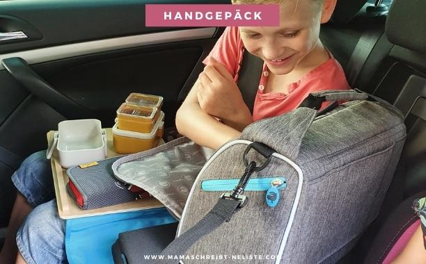 Autofahrt kinder reisen mit dem auto Jako-O Handgepäck, Koffer, Pausen geeignete Kleidung, gemütliche Kleidung  passendes Handgepäck